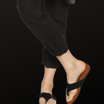 Slippers brown female.jpg
