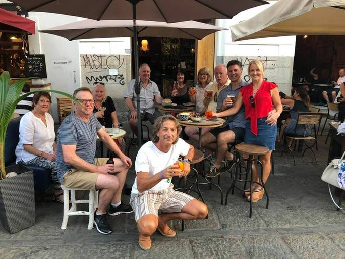 Aperitif on the Navigli of Milan with a nice group of Aussies