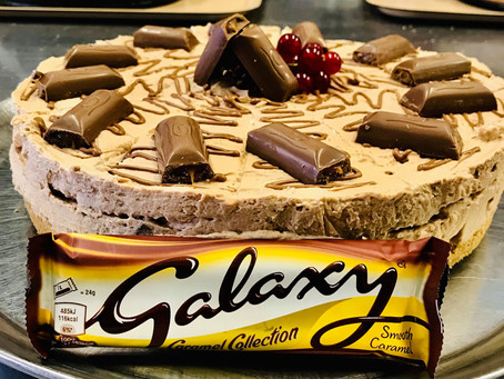 Scoozi Dessert Special: Galaxy caramel cheesecake