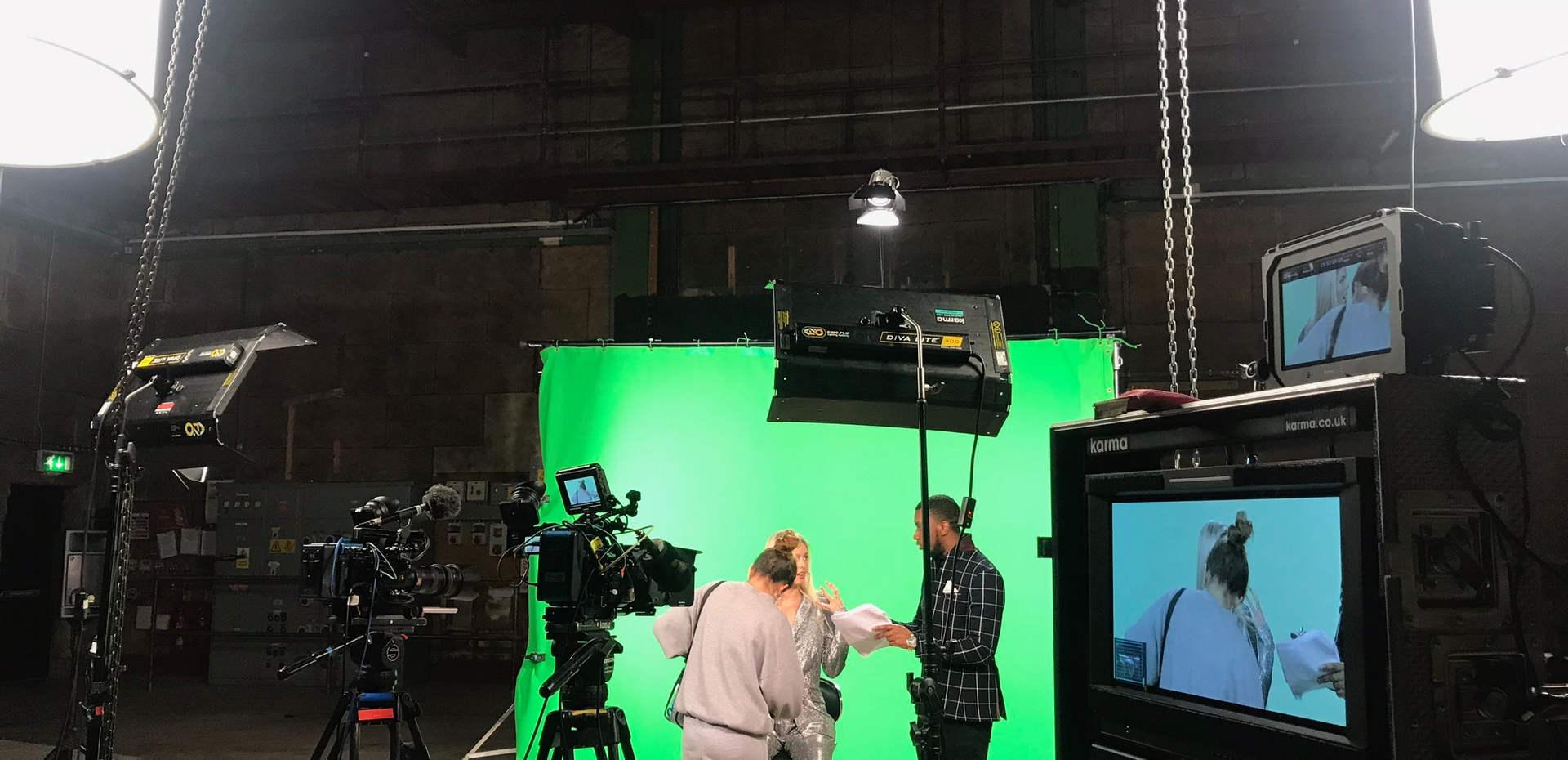 Studio - Call me loop music video.JPG