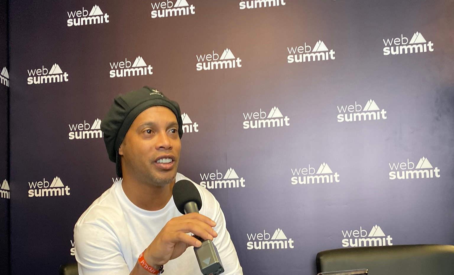 Ronaldinho 2019 - Teqball.JPG