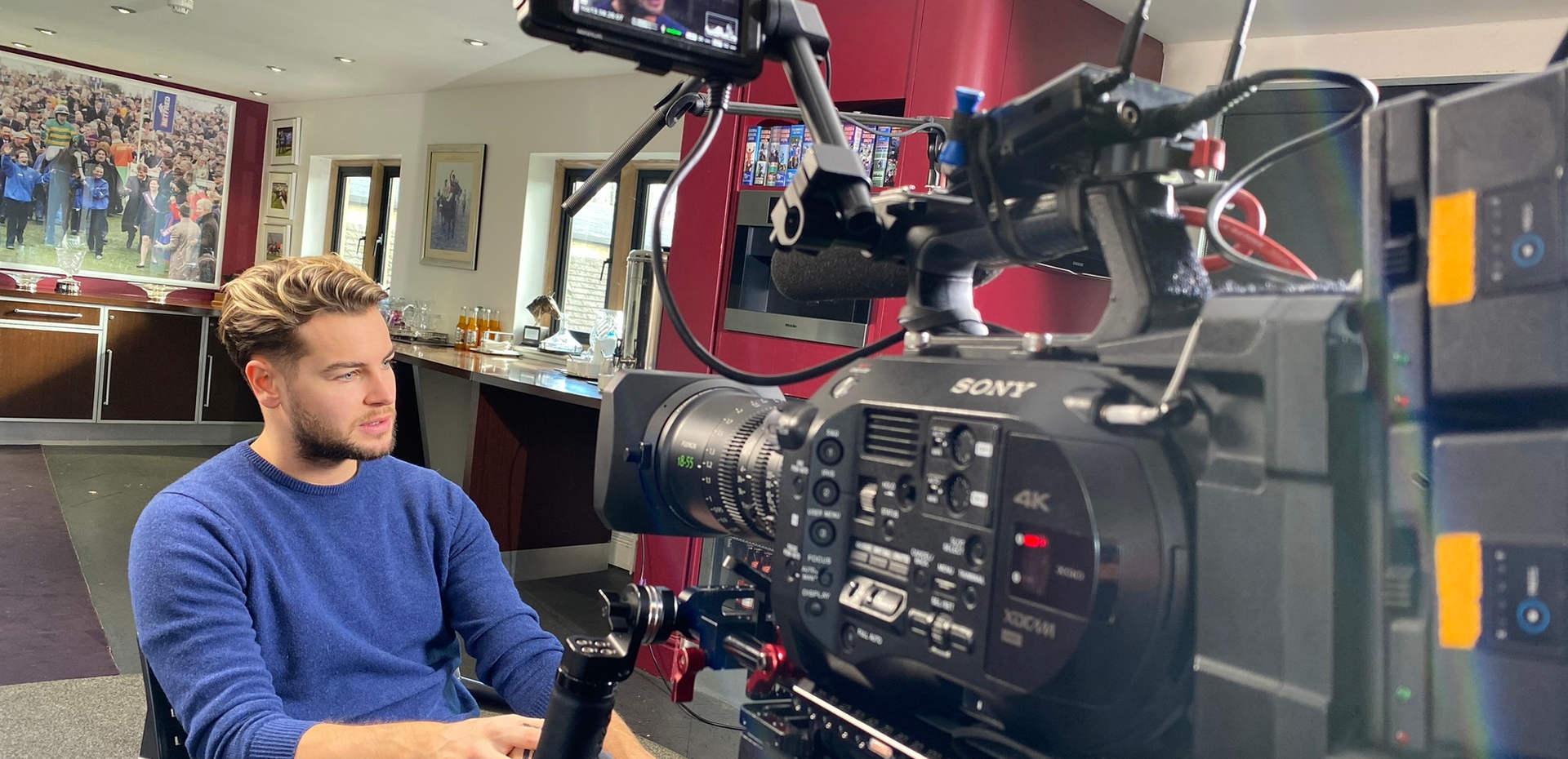 Coral - Chris Hughes Interview at Jonjos