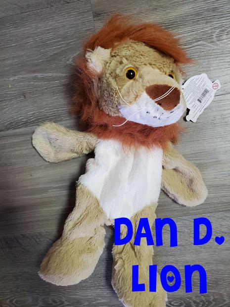 Lion Dan D..jpg