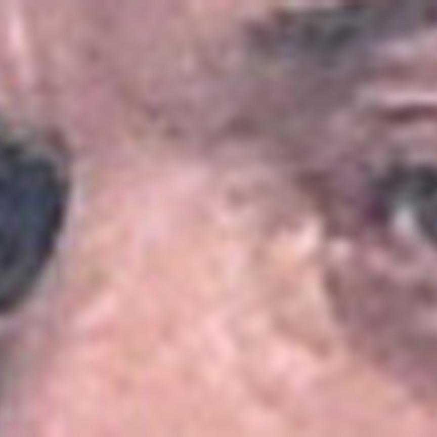 Variation sur le visage d'un homme portant un gilet jaune