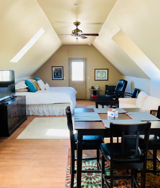Ella Dora Studio Airbnb