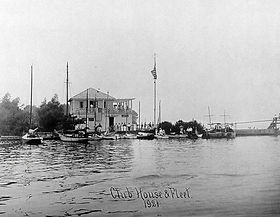 OYC Clubhouse & Fleet 1921.JPG