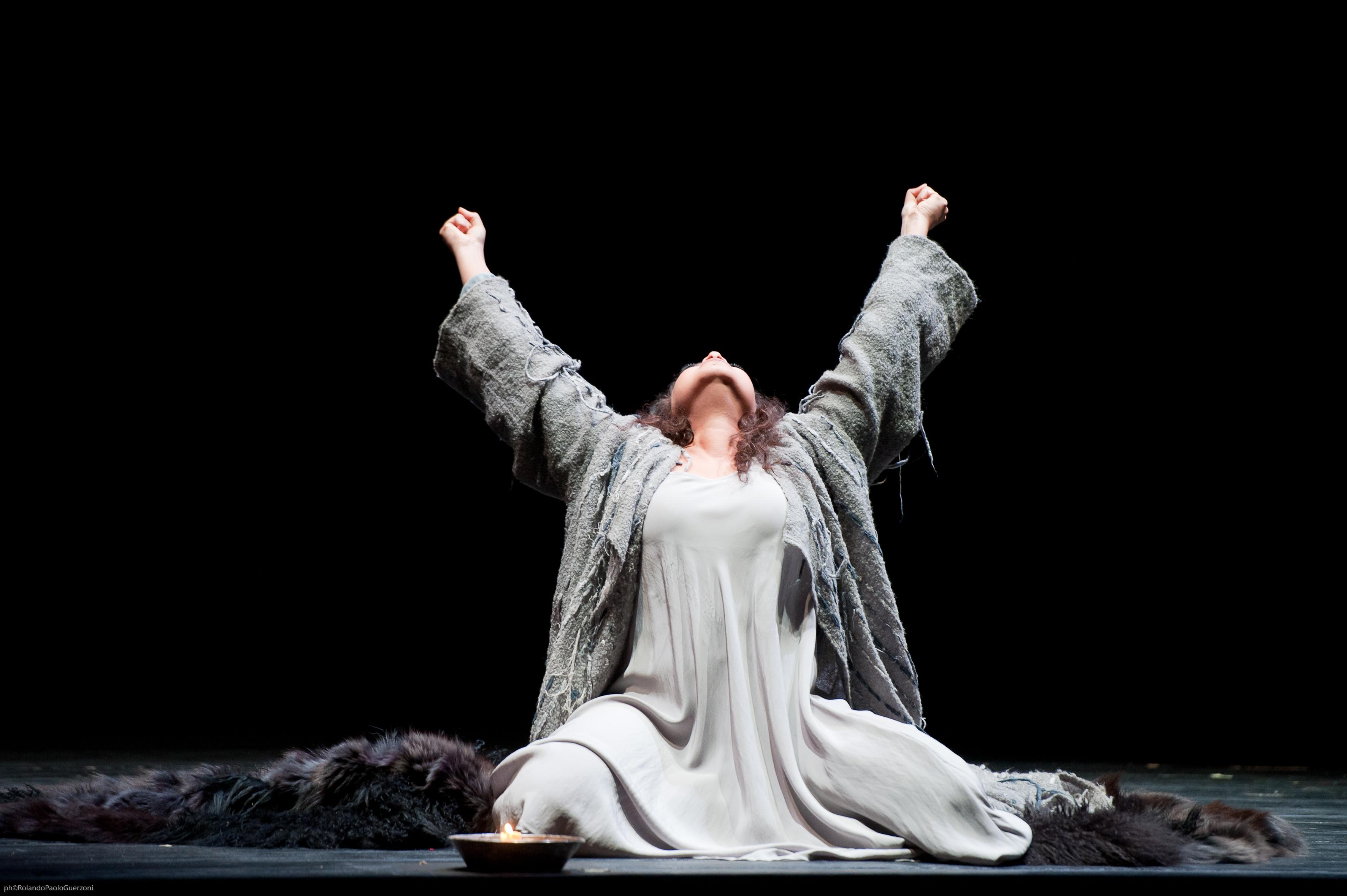 Macbeth, Teatro Comunale Modena 2011
