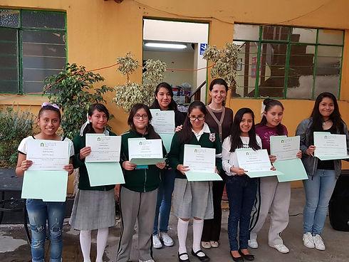 Casa Hogar 4 diplomas.jpg