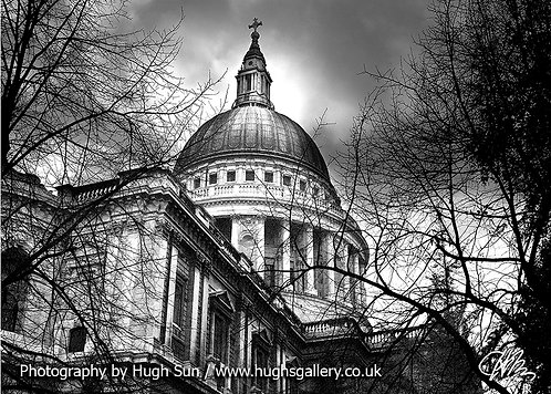 SP4-St Paul's Cathedral (B/W)