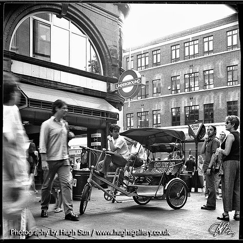 CG2-Covent Garden Station (B/W)