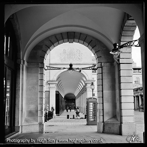 RO3-Royal Opera House (B/W)