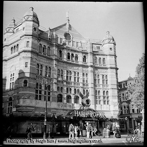 TH1-Palace Theatre (B/W)