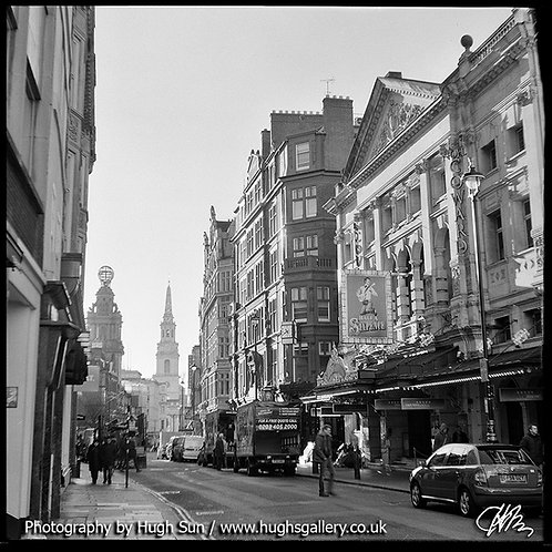 SM1-St Martin's Lane (B/W)