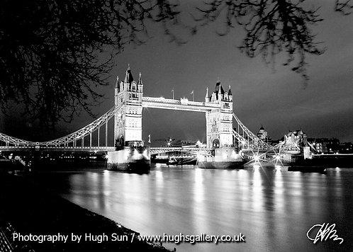 TB3-Tower Bridge (B/W)