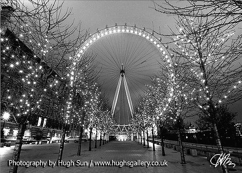 LE9-London Eye (B/W)