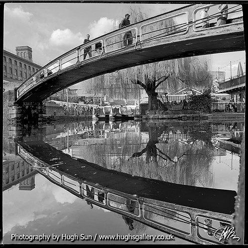CM5-Camden Lock (B/W)