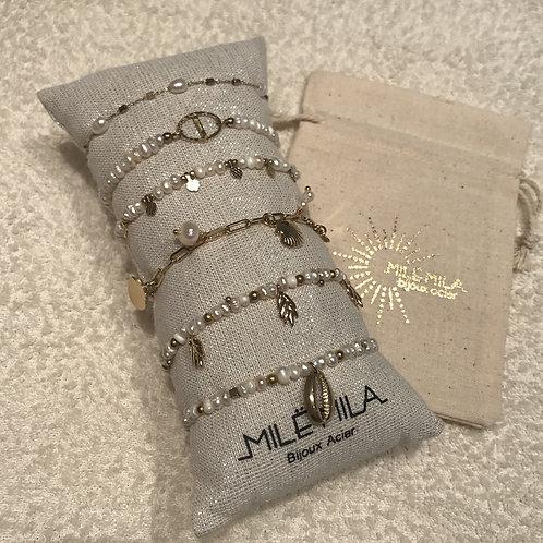 Bracelet doré et perles nacrées