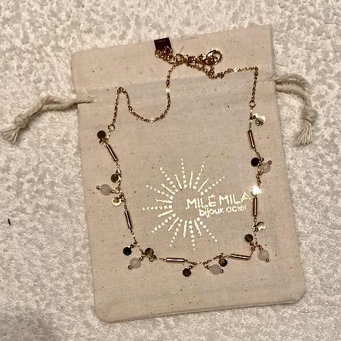 Collier rond doré et perles