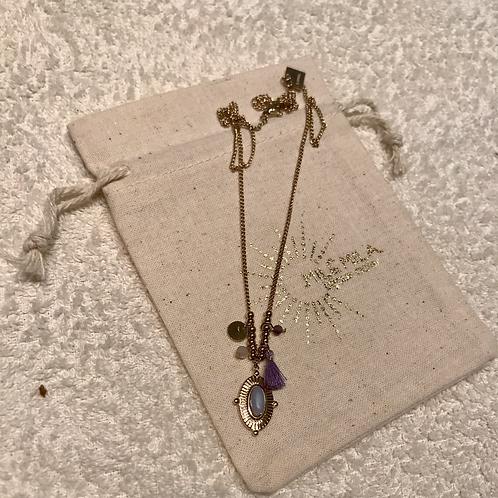 Collier doré pompom violet