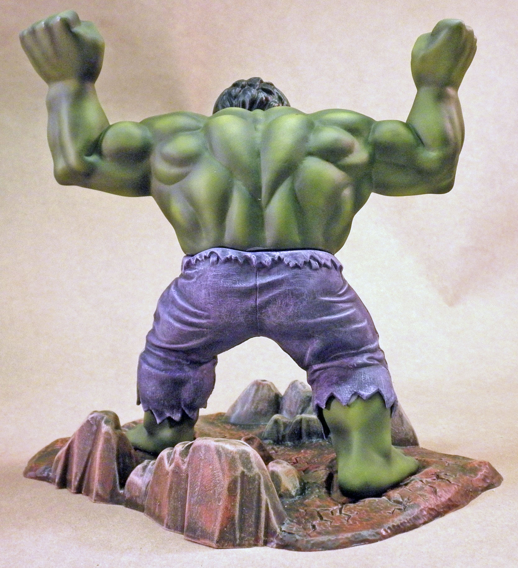 MPC Hulk, Back