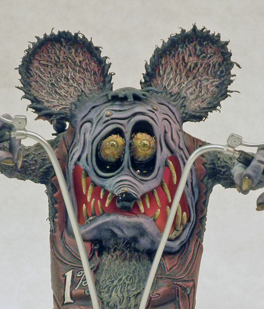 Brother Rat Fink, Close Up