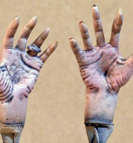 Dracula's Hands, Palms