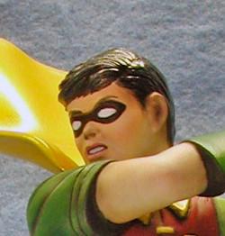 Robin, Close Up