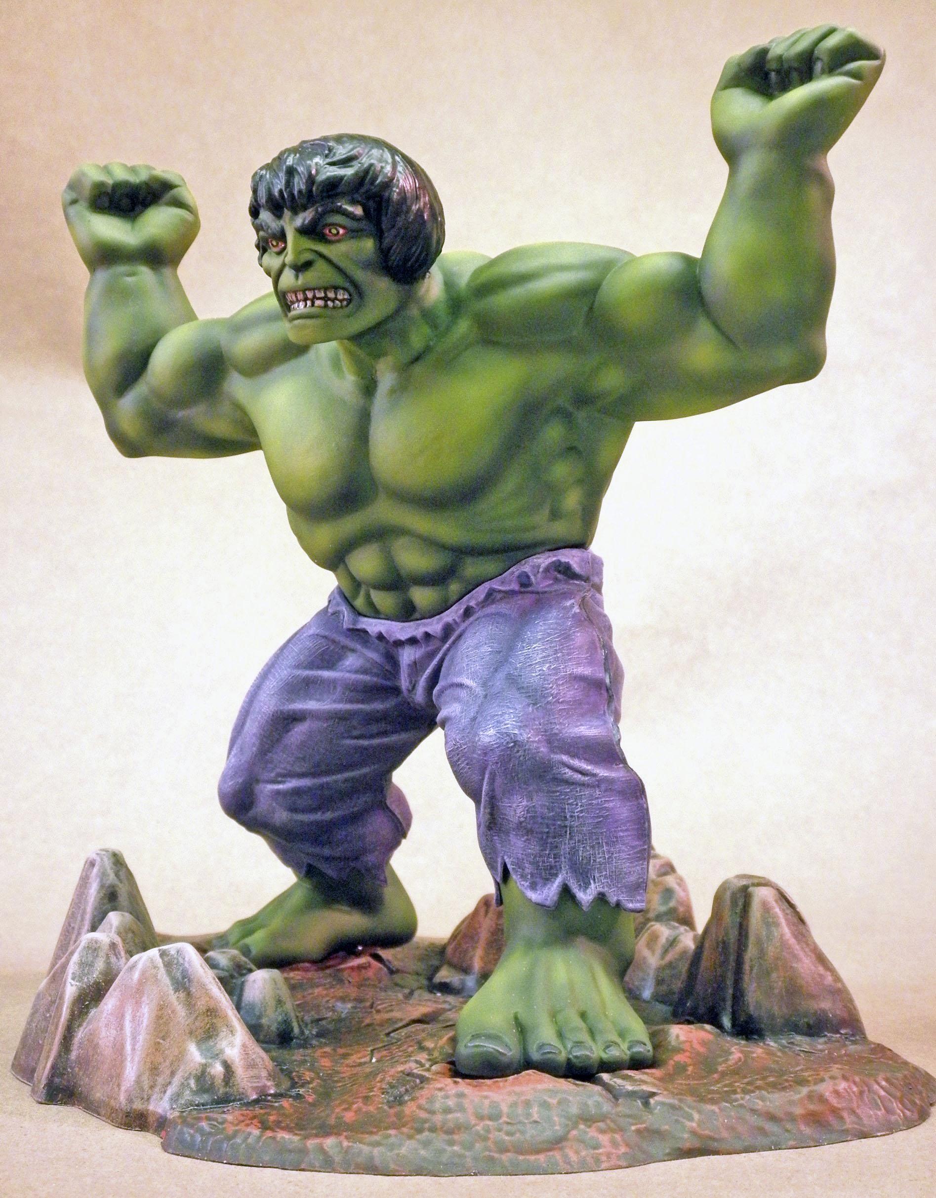 MPC Hulk, Left
