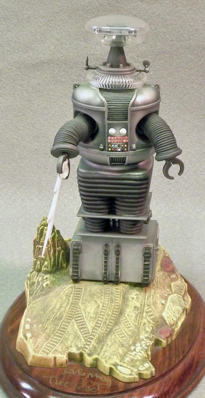 LiS Robot Full Front