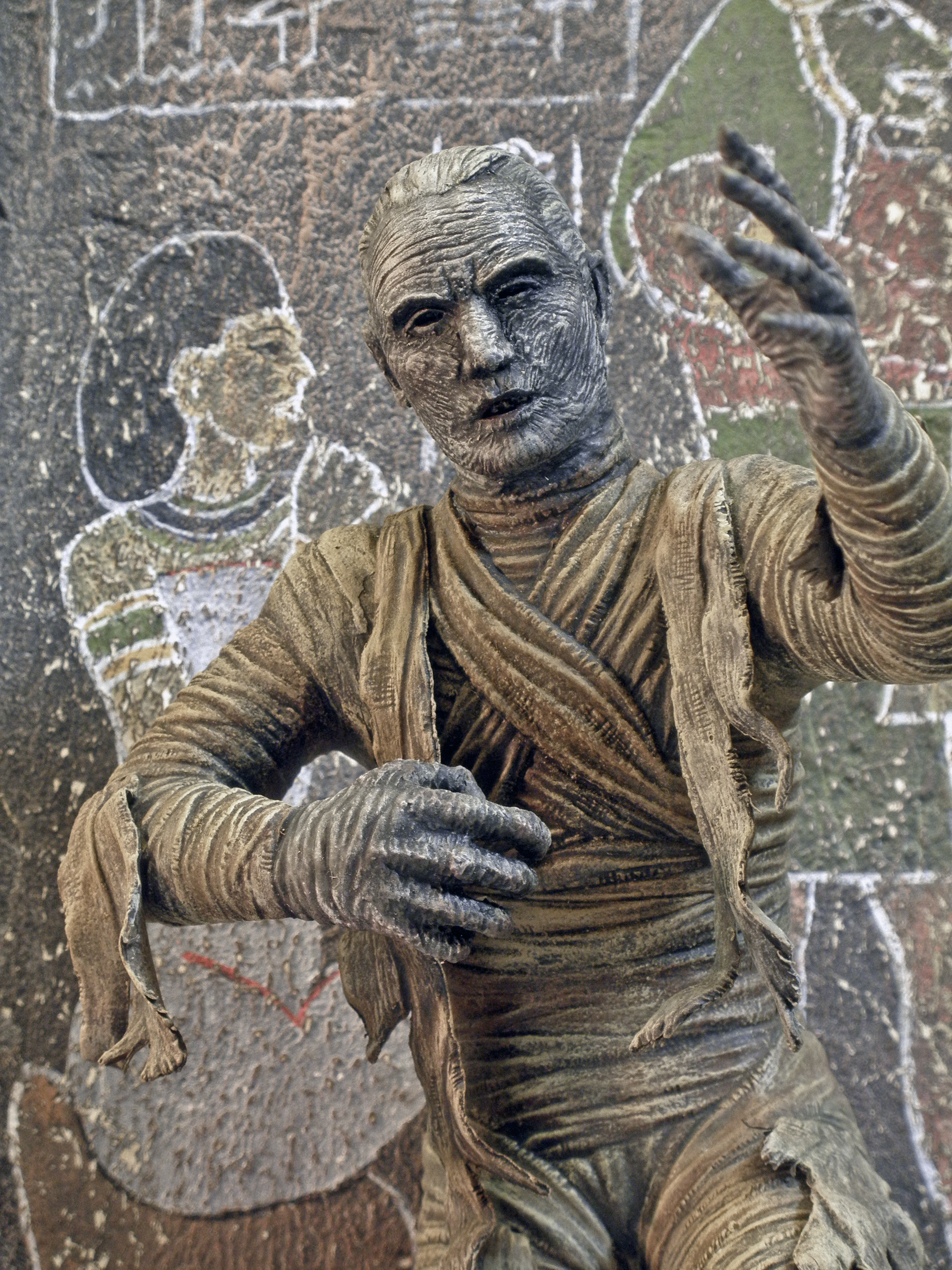 The Mummy's Hand, Close Up