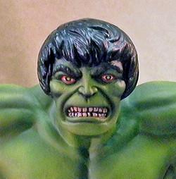MPC Hulk, Close Up