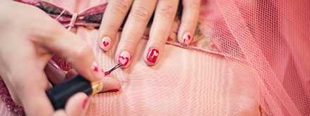 painting-fingernails-635261_1920.jpg