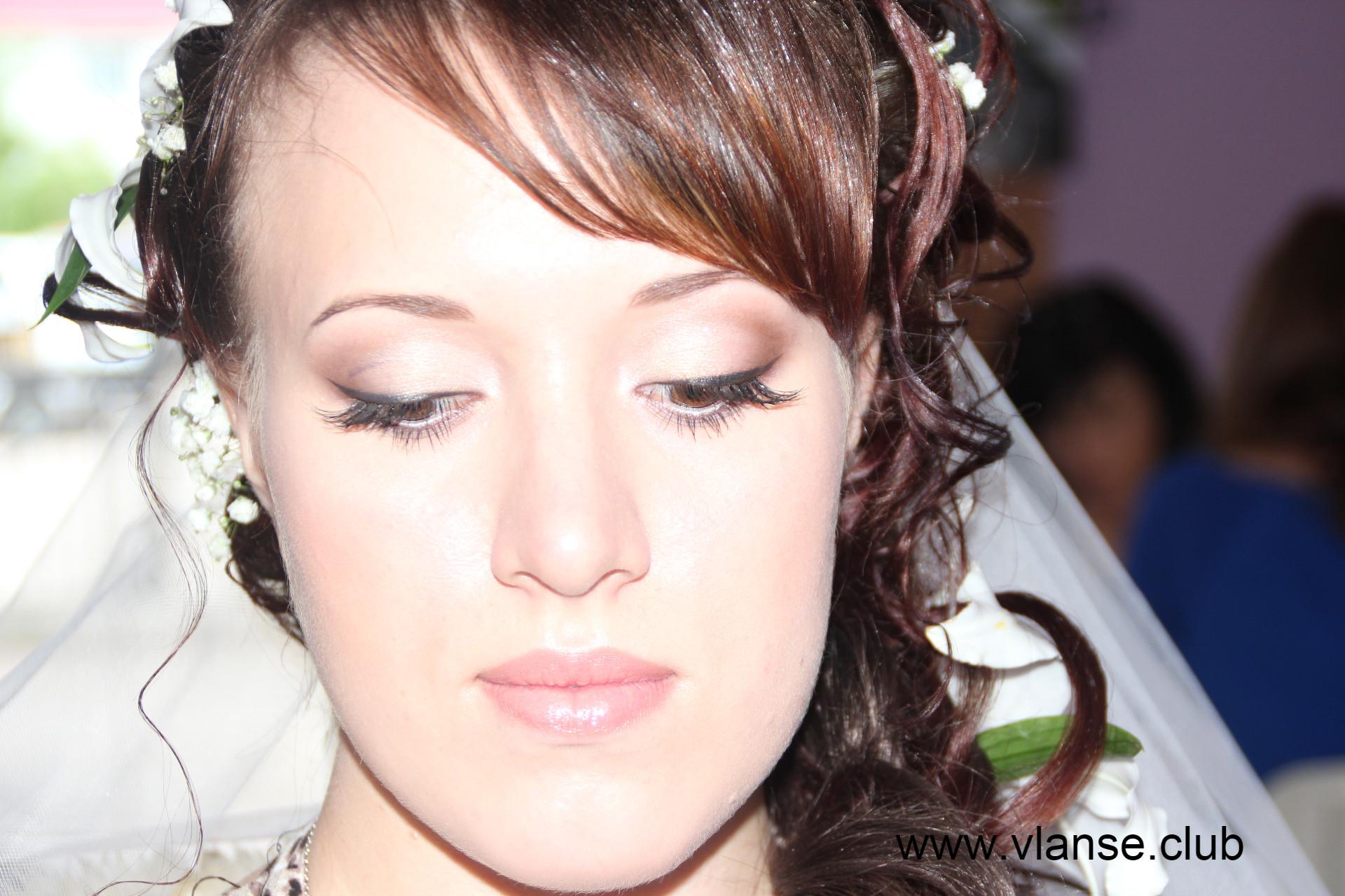 Прическа торжественная свадеб.