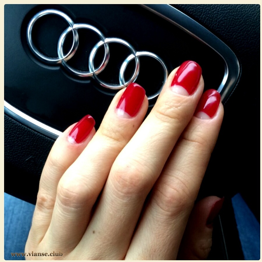 глянцевание ногтей