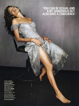Angalina Jolie Stunning dress
