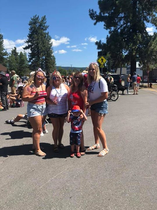 Teresa, Trina, Jacee, Megan, and Whalen having fun at the chester parade 2019