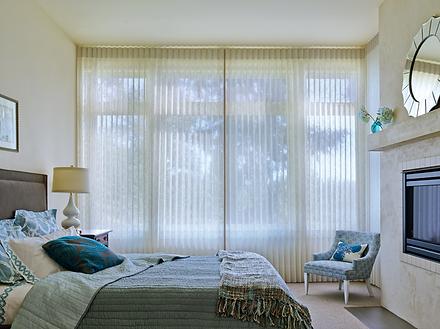 2015_LUM_Sheer Linen_Bedroom_Open.png