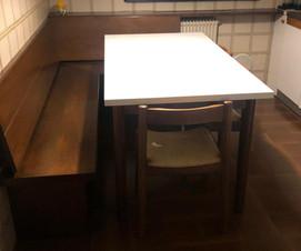 Tavolo con panca e 4 sedie