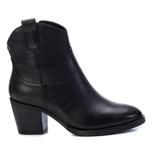 XTI - Black cowboy style ankle boots