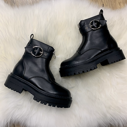 Chunky zip detail ankle boot
