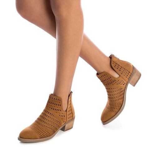 XTI - Low cut ankle boots - Tan