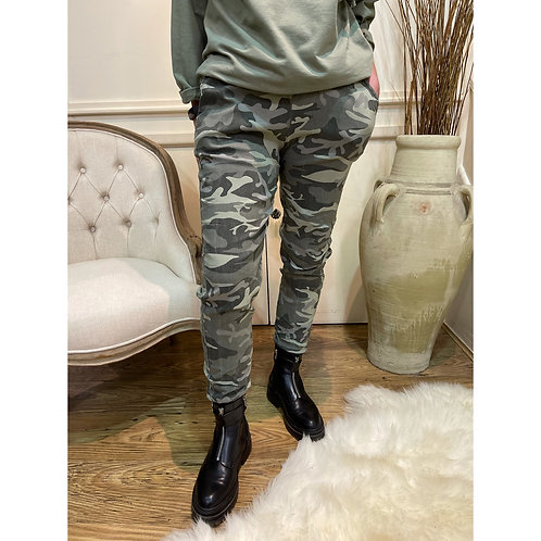 Camo magic pants