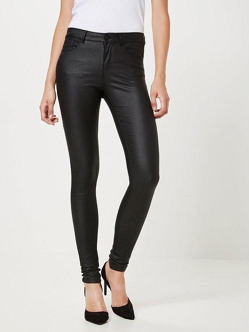 Vero Moda - Black coated skinny jeans