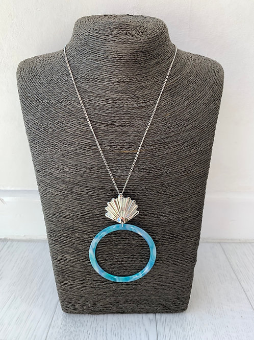 Big Metal - Long shell hoop necklace