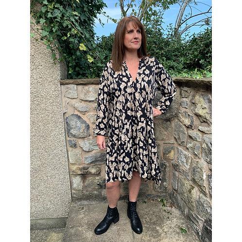 Malissa J - midi length prairie style dress