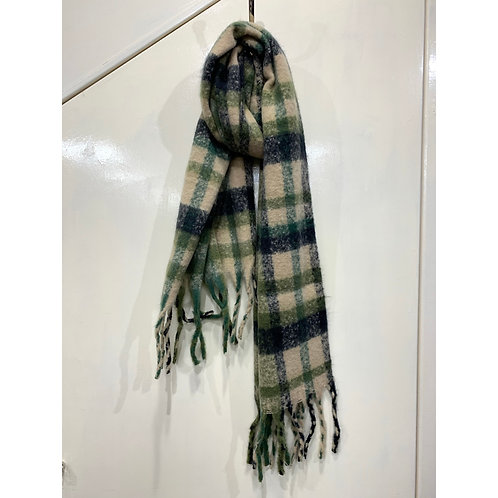 Checked chunky scarf