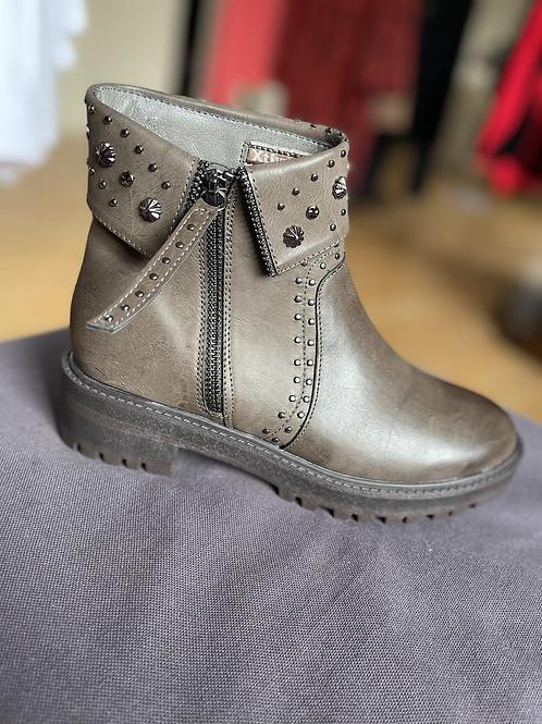XTI - Stud/Zip detail boot - Mink/Grey
