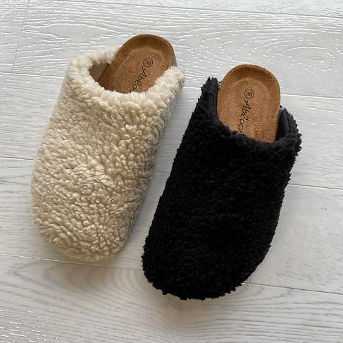 Teddy curl slip on slippers