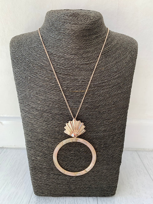 Big Metal - Long shell hoop necklace