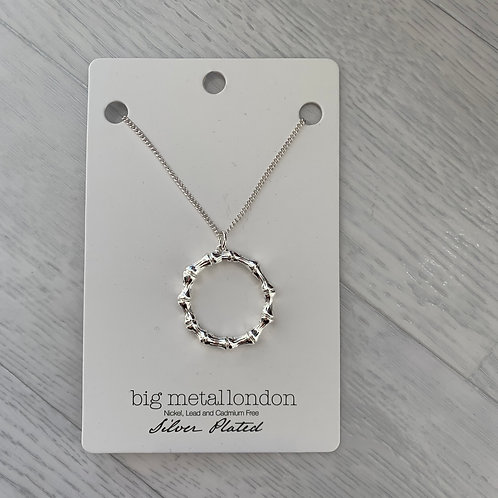 Big metal - Silver plated hoop necklace